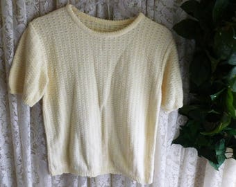 Vintage PALE YELLOW SWEATER, Ladies Size Small, Short Sleeve Cropped Cotton Business Casual Made in United States Pin Up Style