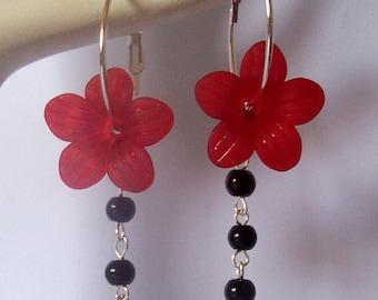 Flower Earrings , Hoops , Red Flower Earrings , Lucite Flower , Beaded Flower Earrings , Handmade Jewelry, Handmade Jewellery , Gift