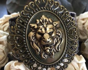Lion bracelet leather cuff, lion bracelet, lion gift, lion jewelry, chunky bracelet