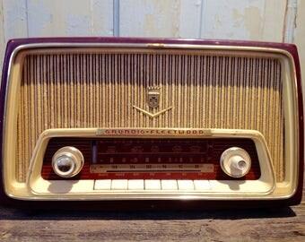 1958 Fleetwood 97CA Grundig Radio. Vintage Kitchen Radio. Vintage Grundig Fleetwood Radio. Mid-century Modern Radio.