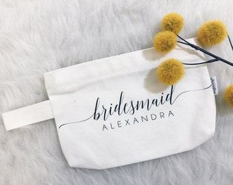 Customizable bridesmaid cosmetic bag//makeup bag//bridal party gifts//