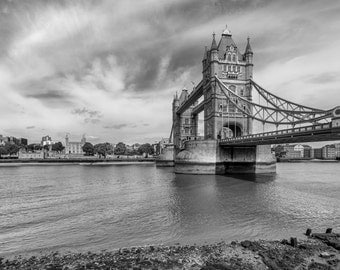 London city print, London skyline, Art Print London, Black & White Photography, Living Room Decor, Tower Bridge Art, England Photo