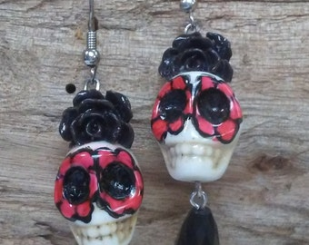 Cute Sugar Skull Flowered Earrings - Red & Black -  Day of the Dead