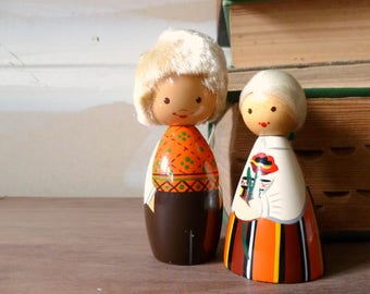Vintage Salvo Wooden Peg Dolls / 1960's Folk Art / Soviet Russia / Miniature Doll