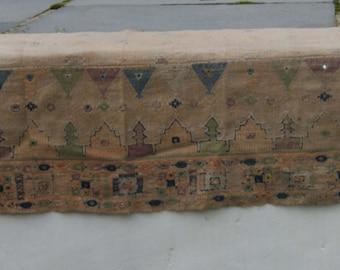 Embroidered Mantle Shelf Runner