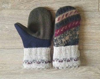 Winter Sweater Mittens //LoveWoolies Mittens // Sweater Mittens // Fleece Lined