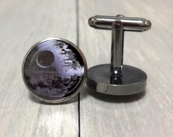 Death star Cufflinks ~ Star Wars junkie cufflinks
