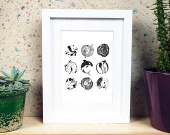 Monochrome Animals Circle Print
