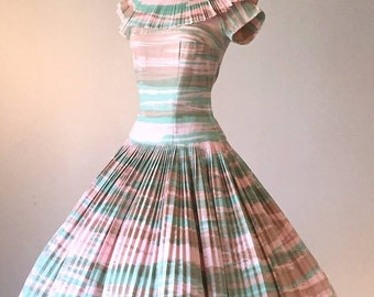 Gorgeous Desert Sunrise Early 1950's New Look Press Pleat Dress | Size Small/Medium