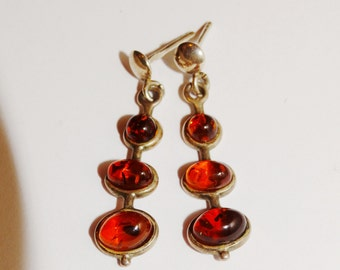 Vge 950 Sterling Silver Small Delicate And beautiful Amber Earrings.