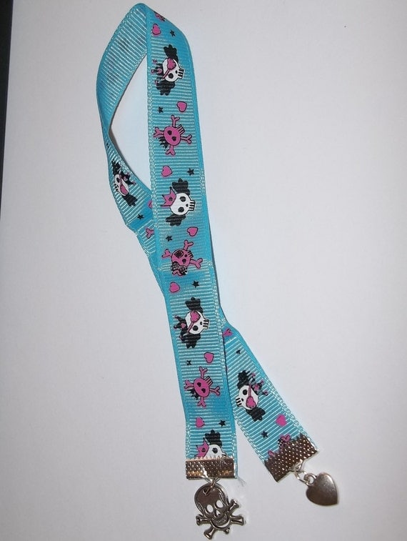 "Skull & Hearts Hand Crafted 3/8"" x 12"" Grosgrain Ribbon Bookmark w/ Charms"