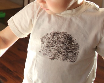 organic cotton baby t-shirt with hedgehog , baby tee, hand screen printed t-shirt, natural organic t-shirt, baby clothes, baby