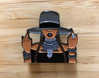 Beyonce Enamel Pin, Cute Beyonce Jewelry, Cute Lapel Pins, Beyonce Jay Z, Beyonce Gift, Queen Bey, Beyonce Formation, Beyonce Lemonade