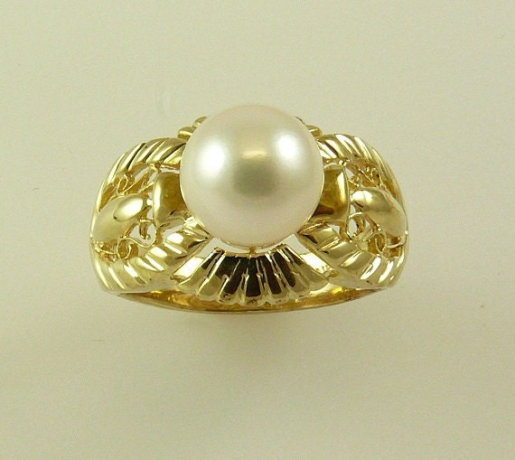 Akoya 8.5 mm Pearl Ring with 14K Yellow Gold, Size Selectable