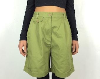 Vintage Chino Khaki Green High Waisted Shorts . Vtg 80s Cargo High Waist Wide Shorts . Olive Green Safari Shorts . Size Small UK 8 - 10 - 12