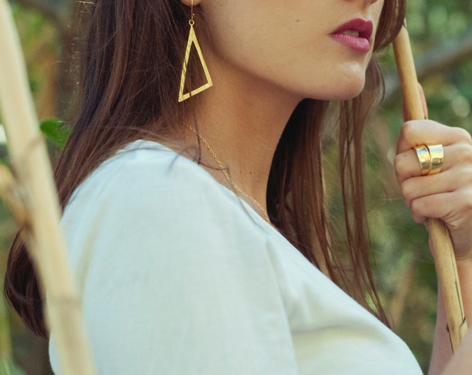 Large gold triangle earrings, Gold triangle dangle earrings, gold geometric earrings, large statement earrings, spanish jewelry, womens gift