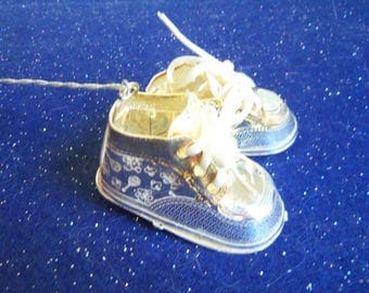 Silver Baby Booties Ornament Momento
