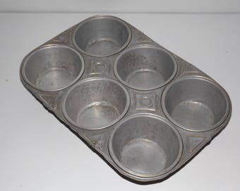 Muffin tin,6 cups,art deco inspired,metal bakeware,early 1900s,cupcake tin,English muffin cupcake pan,kitchen decor,rustic,farmhouse