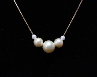 Vintage Trifari gold tone and faux pearl necklace