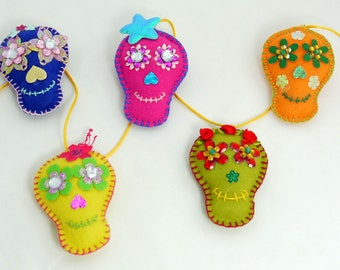 Skull Felt Garland, Dia de los Muertos, Day of the Dead, Skulls, handmade, Halloween Party Decoration, Mexican Sugar Skull