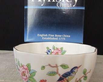 Aynsley Pembroke Variete Bowl, Aynsley Fine English Bone China Bowl White with Pink Flowers in Original Box