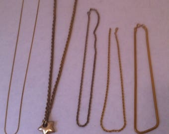 5 Vintage Gold Colored Necklaces, Vintage Costume Jewelry, 5 Assorted Necklaces, Jewelry, Neck Wear, Vintage Old Classic Chains