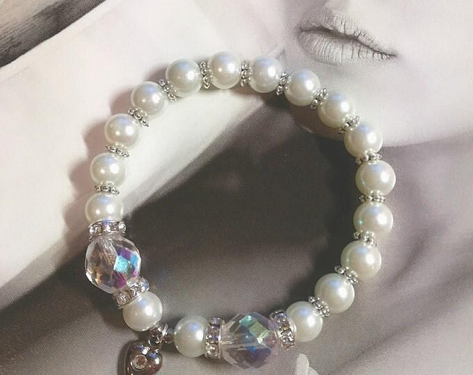 Beaded bracelet, Heart bracelet,Beach Wedding jewelry,Bridal jewelry, Wedding bracelet,white bracelet