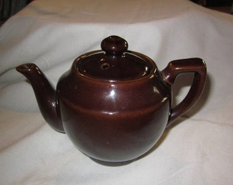 Small brown teapot - very sweet~