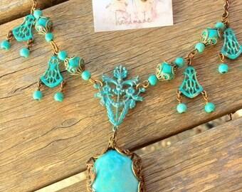 Vintage Style - Turquoise Howlite Gems