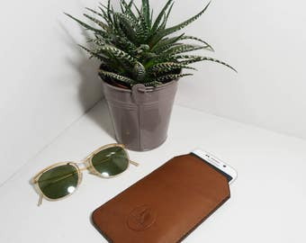 Case cell phone Brown cowhide leather.