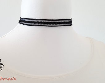 Choker necklace collar black crochet