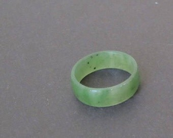 Jade Band Ring. Siberian Nephrite. Jewelry 1980s. Baikal Gemstone. Mid Century. Green Ring Size 9. Holiday Gift for Men or Women.