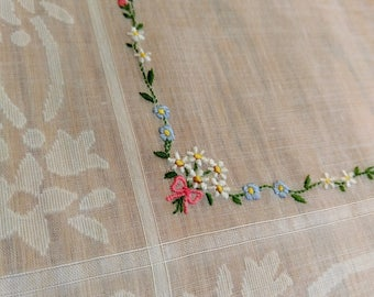 daisy / floral embroidered linen handkerchief