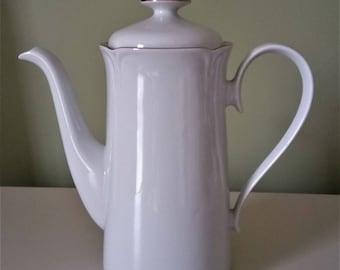 Vintage German Teapot Jlmenau Teapot GDR Porcelain Teapot