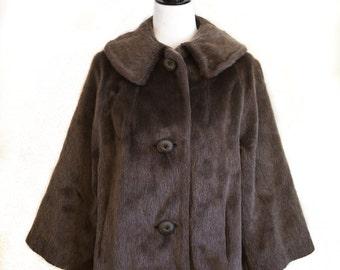 faux fur coat/faux fur fabric/bohemian fur coat/hippie fur coat/fur coats/swing dress coat/Mint condition/Mad men/Swinging Sixties/SIMOTTA