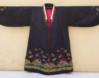 Antique Chinese Hand Embroidered Robe Good Condition (375)