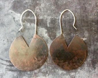 Large bohemian arrow hoops,large copper hoop earrings,copper disc hoops,large bohemian hoops,rustic hoop earrings,primitive hoop earrings