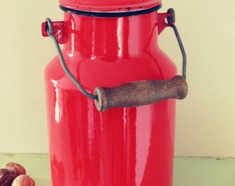 Milk jug enamel red French, by Japy 1960s country kitchen style