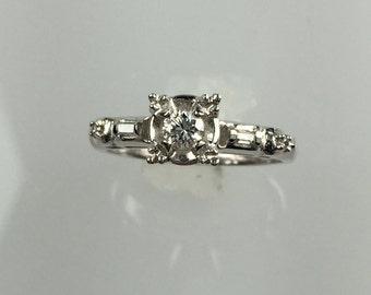 Vintage 1950's diamond ring .14ct