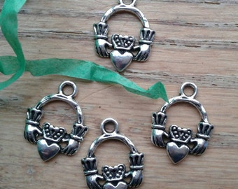 Claddagh Irish Charms (1 Sided) Antique Silver Tone x 5