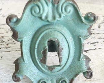 Antique Key Hole Knobs , Vintage Style Kitchen Cabinet Knobs , Bathroom Accessories , Rutic Hardware , Edge Drawer Pull ,