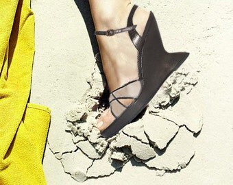 Salvatore Ferragamo \ Vintage Shoes \ Platform Wedges with Clear Lucite Cross Straps