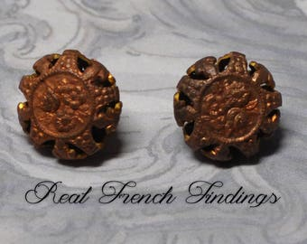 Small Vintage Gingerbread Raw Brass Filigree Shank Button French Metal Lace 1 Piece 513J