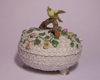 BOMBONERA old English of porcelain century XIX