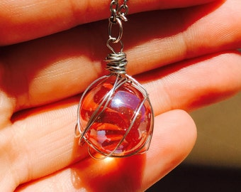 Marble with wire wrapping on a sliver chain