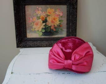 Vintage 1950s pink velvet hat with large satin bow