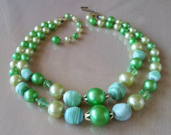 Vintage 1950's double strand green glass and faux pearl bead necklace
