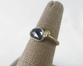Beautiful 14k Gold & Natural Sapphire Rose Cut Ring with Organic Details * Size 5