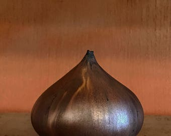 Rose Cabat Feelie - Dark Onion Glaze Squat Shape