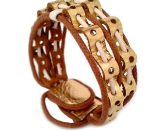 Bracelet gold leather straps